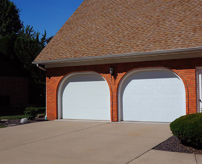 C.H.I. Flush Panel Garage Door